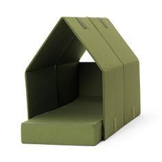 Tent Sofa es un sofá cama que permite a los invitados tener un poquito más de privacidad, se transforma fácilmente y parece una pequeña tienda de campaña para interiores. La idea es perfecta para g…