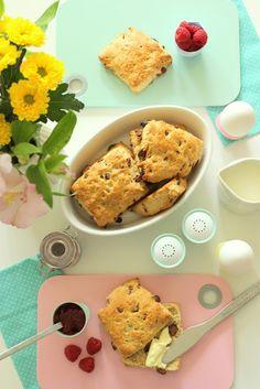 Pastelliges Frühstück + Schokoladenbrötchen