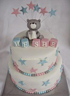 Gender reveal cake with stars / Gender reveal taart met sterretjes