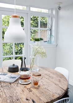 at home with interior stylist fleur holl. (via Bloglovin.com )