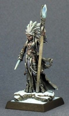 Dark Elf Sorceress Darkreach Warlord Reaper Miniatures D&D RPG Dungeon Wargames #ReaperMiniaturesbyShowcaseTerrainWargamesRPG