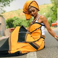 African Wear Dresses, African Fashion Ankara, African Inspired Fashion, African Attire, African Fashion Traditional, Traditional Outfits, African Design, African Style, Royal Fashion