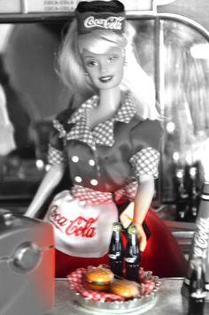 Ana Caldatto : Diorama Barbie Coca Cola Edição de 2000