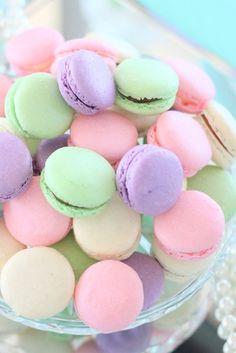 pastel, sweet, and macaroons image - Desserts, sweets & food - Macarons Dessert Dips, Macaron Dessert, Dessert Tables, Cute Desserts, Wedding Desserts, Colorful Desserts, Pastel Floral, Pastel Colors, Sweets