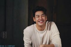 Oh Herrlichkeit - Kim Young Kwang - Korea Images Korean Star, Korean Men, Asian Men, Asian Actors, Korean Actors, Dramas, Kim Young Kwang, Lee Gikwang, Cute Asian Guys