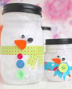 Snowman luminaries plus more snowman crafts for kids Preschool Christmas, Noel Christmas, Christmas Crafts For Kids, Christmas Activities, Simple Christmas, Holiday Crafts, Xmas, Kids Crafts, Jar Crafts