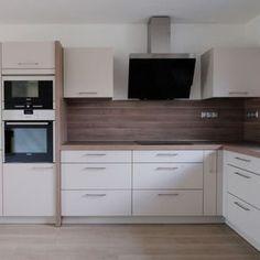 Hledáte inspiraci na nové bydlení? Na Favi.cz najdete jak inspirace na nové bydlení tak krásné produkty. Kitchen Cabinets, Home Decor, Hall Way Decor, Decoration Home, Room Decor, Cabinets, Home Interior Design, Dressers, Home Decoration