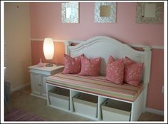 redesigning furnitures. this seat bench was created out of a full-size headboard.
