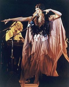 Stevie Nicks: a beautiful hippie with a beautiful voice. reminds me of my mother when she was golden.