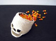 Crocheted Skull Bowl -- I want for Halloween!