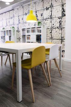 42 Best Oficina Images Workplace Restaurants Bureaus