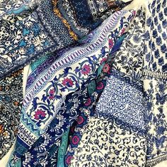 Love these prints Ethnic Patterns, Pretty Patterns, Textile Patterns, Textile Prints, Textile Design, Pattern Design, Print Design, Pattern Art, The Style Council