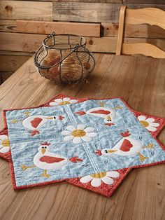 Hen Party Table Topper Pattern