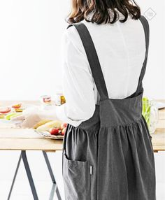 Dark Gray Cross Back Linen Apron Pinafore Apron Linen Long Farm Fashion, Frock Fashion, Vintage Fashion, Fashion Outfits, Baggy Dresses, Pinafore Apron, Sewing Clothes Women, Work Aprons, Linen Apron