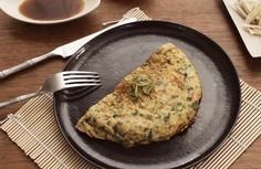 Fluffy Asian Omelette: fried without Fat in AMC HotPan Omelette, Frittata, Pizza Snacks, Grill Pan, Bon Appetit, Fries, Grilling, Asian, Breakfast