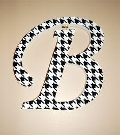 houndstooth monogram sign