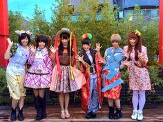 東アジア文化都市2014 横浜カフェ〜ヨコハマサイドステージ〜のオープニングレセプションに親善大使を務めているでんぱ組.incが来店して公開記者発表を行いました。あいにくの天候にもかかわらずお集まり頂いた皆様ありがとうございました!