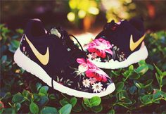 "Custom Floral Roshe Run ""Dark Dahlia"""