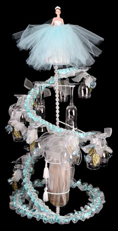 Elegant wire decorations and centerpieces for your special quinceanera party! Wires include butterflies, stars, cinderella carriages and Eiffel Towers so you can make all your decorations with your favorite theme in mind. Quinceanera Traditions, Quinceanera Planning, Quinceanera Decorations, Quinceanera Party, Quinceanera Dresses, Wedding Decorations, Table Decorations, Birthday Party Celebration, Birthday Parties