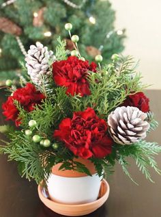 Wonderful #Christmas #Flower #Bouquet by Ben White Florist