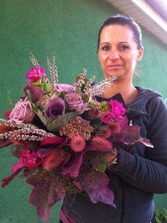 Poszukujemy kreatywnej i energicznej osoby do pracy w kwiaciarni na stanowisko florysty. Stań się częścią naszego zespołu i odkryj magiczy świat kwiatów!  Czekamy na Twoje CV & portfolio: kaja.kwiaciarnia@wp.pl www.kaja.lebork.pl