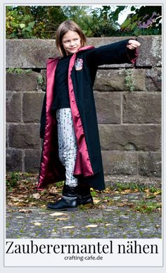 Nähen für Halloween: Zauberermantel Tutorial * The Crafting Café Harry Potter Mantel, Harry Potter Diy, Diy Costumes, Halloween Costumes, Halloween Sewing, Jedi Costume, The Conjuring, Free Sewing, Halloween Party
