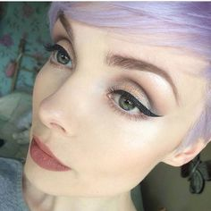Perfect eyeliner. Love the crease shading  illamasqua's photo on Instagram Perfect Eyeliner, Evening Makeup, Cream Eyeshadow, Sparkle, Pure Products, Elegant, Instagram Posts, Vintage, Fashion