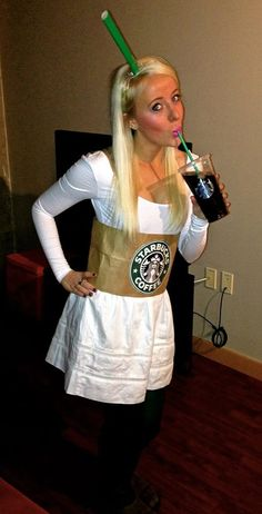 So doing this next year Starbucks Halloween Costume, Food Halloween Costumes, Mom Costumes, Easy Diy Costumes, Halloween Kostüm, Costumes For Women, Costume Ideas, Homemade Halloween, Holiday Fun
