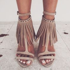 Straps and fringes ✔️ #shoeporn #luxe