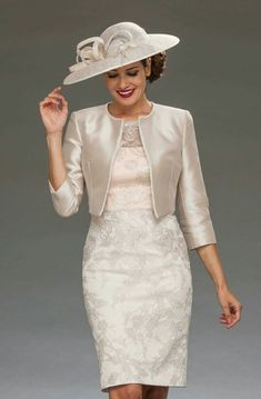 Mother Of The Bride Dresses Long, Mother Of Bride Outfits, Mob Dresses, Fashion Dresses, Dresses With Sleeves, Elegant Dresses, Beautiful Dresses, Classy Outfits, Occasion Dresses