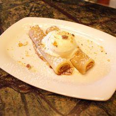 Panqueques rellenos de dulce de leche Relleno, Eggs, Baking, Breakfast, Food, Sweet Recipes, Cooking Recipes, Sweet Treats, Postres