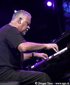 Check out Joe Sample on ReverbNation Saw him live at the Birchmere Jazz Artists, Jazz Musicians, Music Artists, Music Do, Kinds Of Music, Randy Crawford, Joe Sample, Montreux Jazz Festival, Smooth Jazz