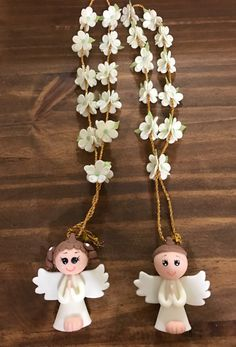 Baby Baptism, Christening, Baby Deco, Baptism Decorations, Christmas Crafts, Christmas Ornaments, Ideas Para Fiestas, Polymer Clay Flowers, Pasta Flexible