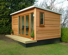 Neat garden office to remove you from the distractions of day to day living. Shed Office, Backyard Office, Backyard Studio, Garden Office, Garden Huts, Garden Lodge, Building A Small Cabin, Building A House, Summer House Garden
