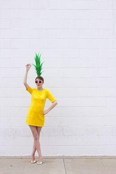 DIY Pineapple Costume Diy Halloween, Easy Adult Halloween Costumes, Easy Halloween Costumes, Holidays Halloween, Diy Costumes, Costume Ideas, Pineapple Costume Diy, Pineapple Halloween, Fruit Costumes