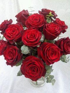 Trandafiri rosii cu livrare la cluj