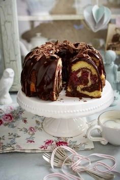 Käse Kirsch Kuchen Donauwellen Puffer Rezept In 2018 Table For Two Donauwellen-Puffer - definitely I have to try that delicious recipe 😍 300 g zimmerwarme Butter gugelhupf with chocolate See related links to what you are looking for. The recipe for Do Baking Recipes, Cookie Recipes, Cupcake Recipes, No Bake Desserts, Dessert Recipes, German Baking, Maila, Sweet Bakery, Cupcake Cakes