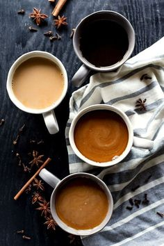 Bring on that cool fall weather with a hot and flavorful Pumpkin Spice Horchata Latte, featuring homemade horchata for an authentically delicious drink! Coffee Photography, Food Photography, Homemade Horchata, Horchata Recipe, Yummy Drinks, Yummy Food, Cafe Rico, Matcha Tee, Pause Café