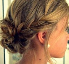 soft and reaxed braid & bun combo