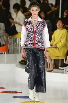 The runway at the Chanel resort 2016 collection in Seoul, Korea. Chanel Resort, Chanel Cruise 2016, Chanel 2015, Chanel Fashion, Fashion Line, Fashion Week, Runway Fashion, Fashion Show, Fashion Outfits