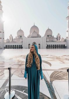 Visiting the Sheikh Zayed Grand Mosque in Abu Dhabi (as a non-Muslim)