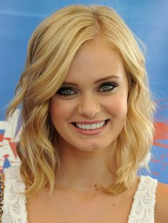 Pictures : Cute Layered Haircuts for Teens - Sara Paxton Wavy Bob Haircut