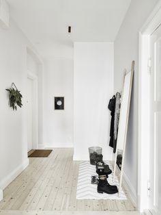 Het lijkt net alsof de beelden van dit Zweedse huis in zwart-wit zijn geschoten - Roomed | roomed.nl