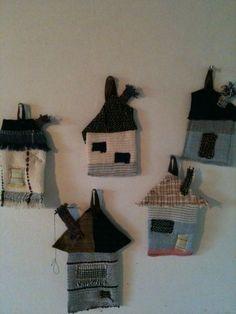 手織り布のhouse五軒建てました。