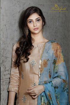 rvee gold presents retro speck pure silk salwar kameez catalog wholesalers in surat Kurta Designs Women, Salwar Designs, Kurti Designs Party Wear, Salwar Kameez Simple, Salwar Suits Simple, Dress Indian Style, Indian Dresses, Indian Wear, Dress Neck Designs