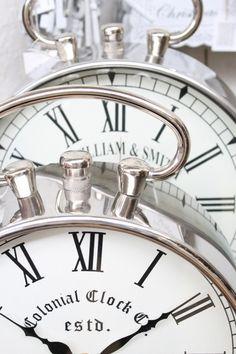 *Time after time (byLotte Manou van Wely)