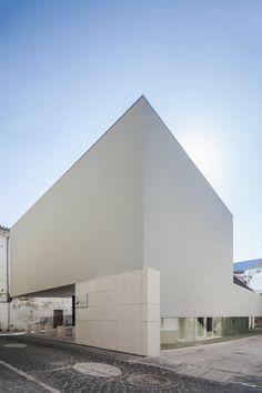 Edifício Praça Eça de Queirós, Leiria - Gonçalo Byrne - João Morgado - Architecture Photography
