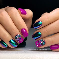 33 Best Chrome Beetle Design Nails 2018 Acrylic nail is often a prosthetic nail application. Chrome Nails Designs, Nail Art Designs, Cute Nails, Pretty Nails, Nagellack Trends, Nail Effects, Nails 2018, Foil Nails, Foil Nail Art
