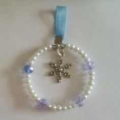 Blue and white snowflake Christmas decoration £1.50