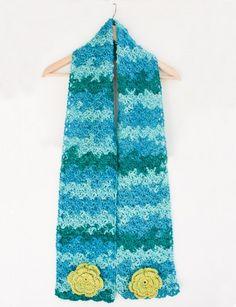 Cozy Posy - Crochet Scarf - Patterns | Yarnspirations